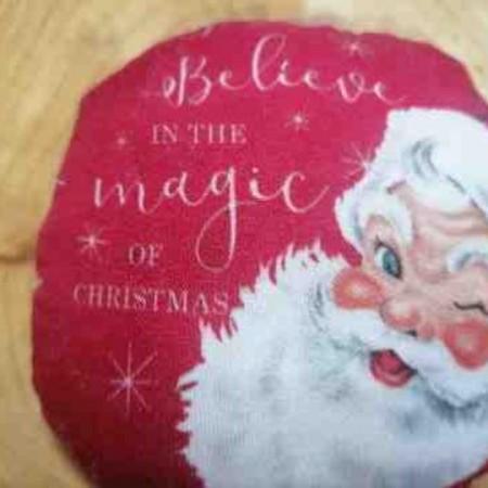 Χριστουγενιάτικο στολίδι μαξιλαράκι - Believe in the magic